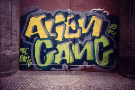 alien_gang